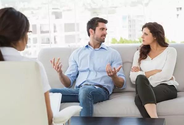 Coaching pentru relația de cuplu, consiliere maritală sau terapie de cuplu? Care sunt diferențele dintre coaching de cuplu și consiliere maritală? Când am nevoie de terapie de cuplu?